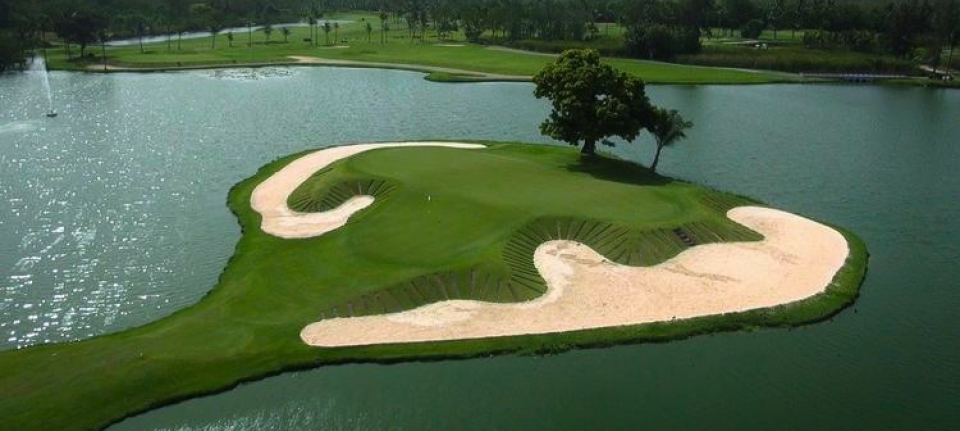 Golf The Lakes trou signature par 3 trou N°9